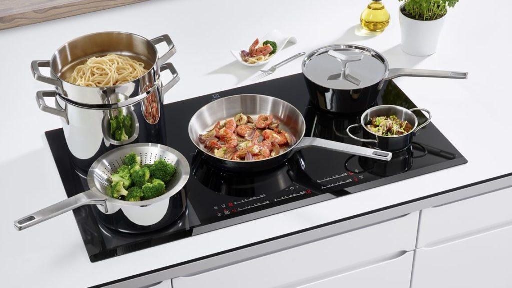 Fino a 5 gradi in meno in cucina, con i fornelli a induzione ...